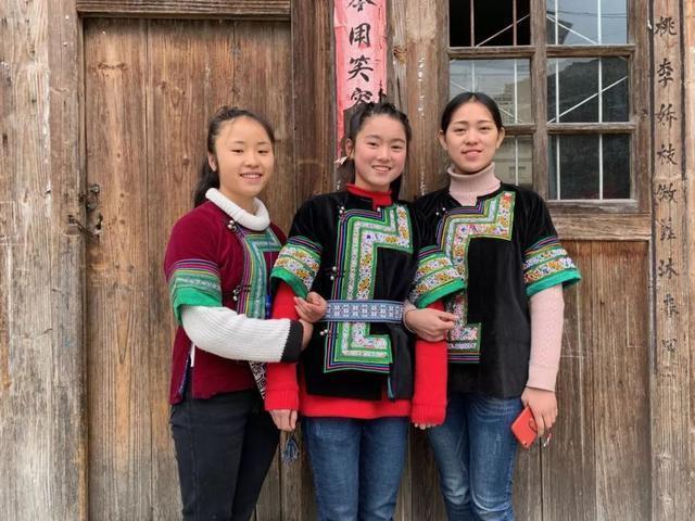 杨妮丹、吴美琼、吴梦霞(从左向右)